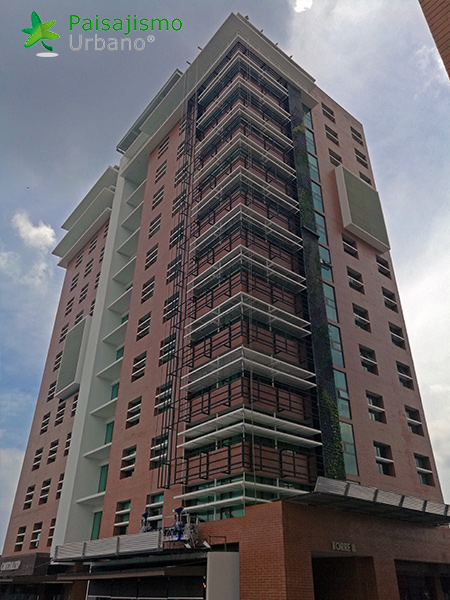 img-jardines-verticales-guatemala-edificio-crece-3