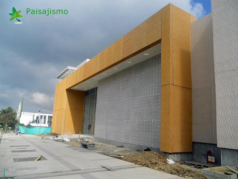 img-fachada-verde-centro-comercial-armenia-colombia-1