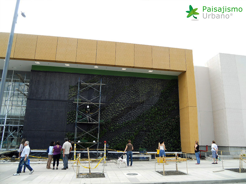 img-fachada-verde-centro-comercial-armenia-colombia-9