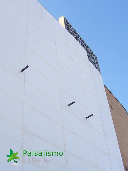 img-jardin-vertical-centro-comercial-las-brisas-bolivia-1