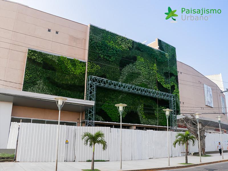 img-jardin-vertical-centro-comercial-las-brisas-bolivia-11