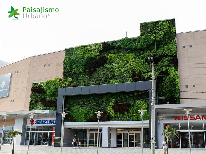 img-jardin-vertical-centro-comercial-las-brisas-bolivia-13
