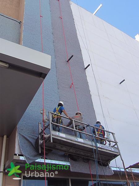 img-jardin-vertical-centro-comercial-las-brisas-bolivia-2