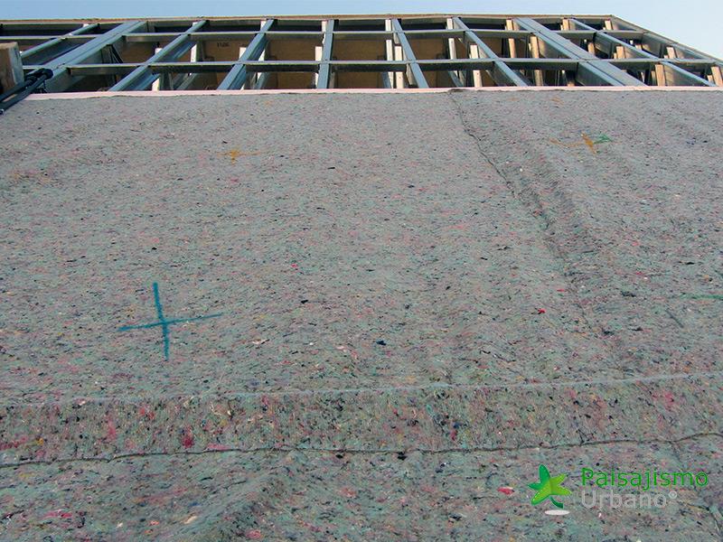 img-jardin-vertical-centro-comercial-las-brisas-bolivia-3