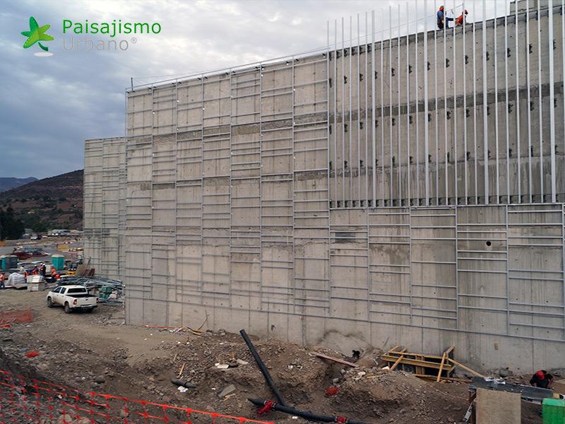img-jardin-vertical-centro-comercial-open-plaza-chile-1