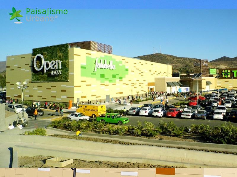 img-jardin-vertical-centro-comercial-open-plaza-chile-15