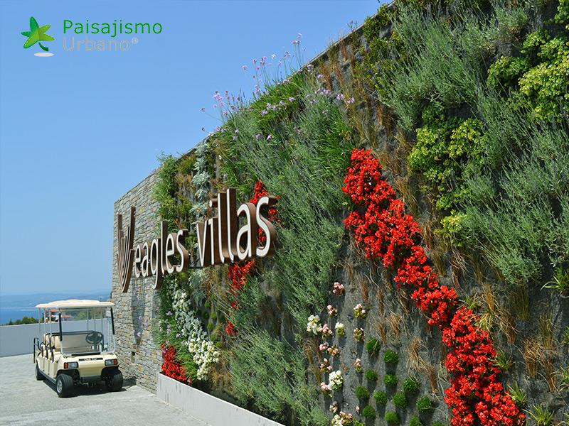 img-jardin-vertical-eagles-villas-grecia-4
