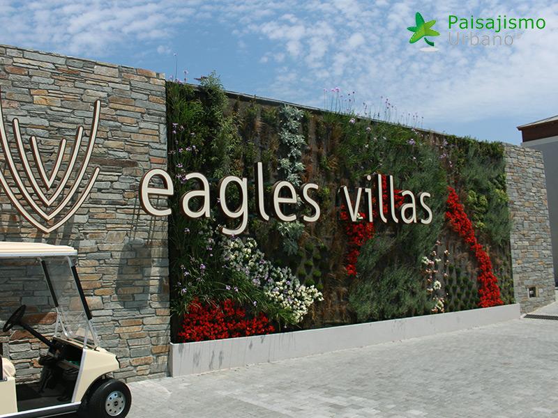 img-jardin-vertical-eagles-villas-grecia-6