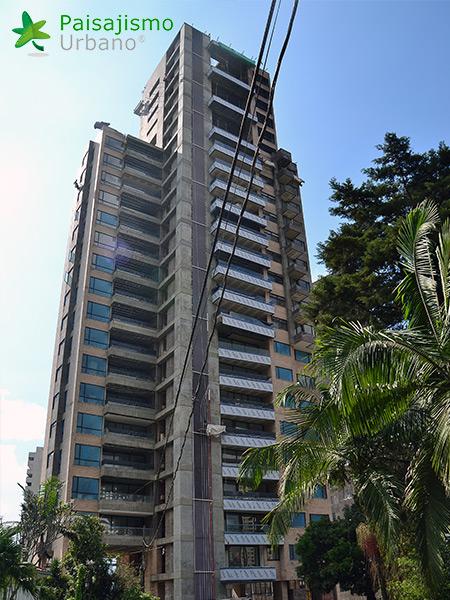 img-jardin-vertical-edificio-green-ecosistema-vertical-medellin-colombia-2