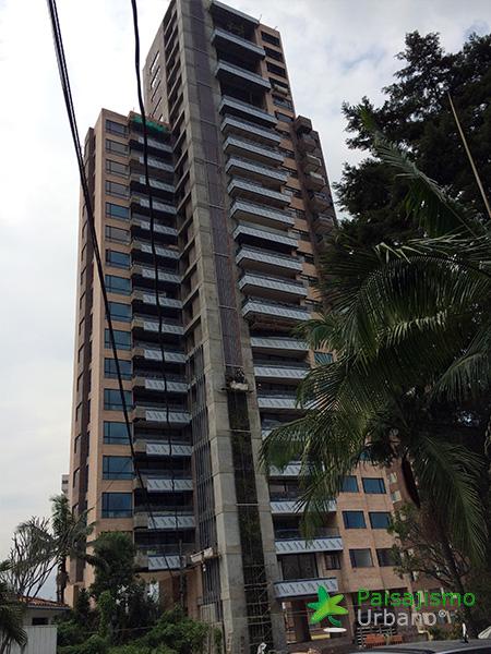 img-jardin-vertical-edificio-green-ecosistema-vertical-medellin-colombia-3