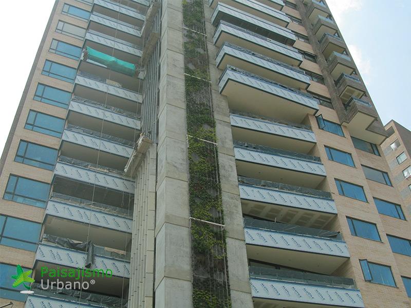 img-jardin-vertical-edificio-green-ecosistema-vertical-medellin-colombia-5