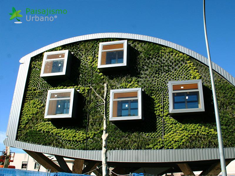 img-jardin-vertical-edificio-inteligente-csi-idea-malaga-8