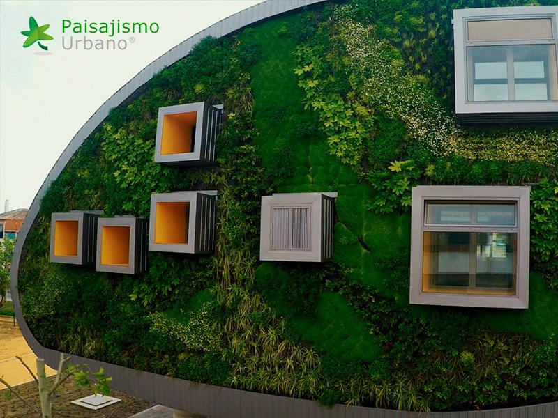 img-jardin-vertical-edificio-inteligente-csi-idea-malaga-9