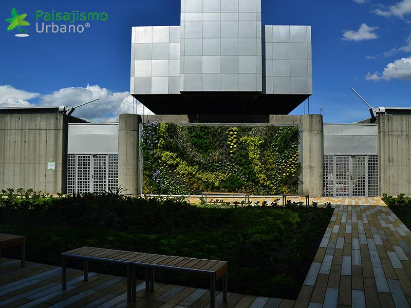 img-jardin-vertical-edificio-inteligente-epm-medellin-colombia-11