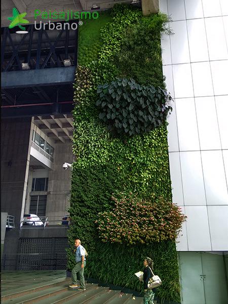img-jardin-vertical-edificio-inteligente-epm-medellin-colombia-15