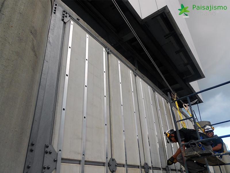 img-jardin-vertical-edificio-inteligente-epm-medellin-colombia-2
