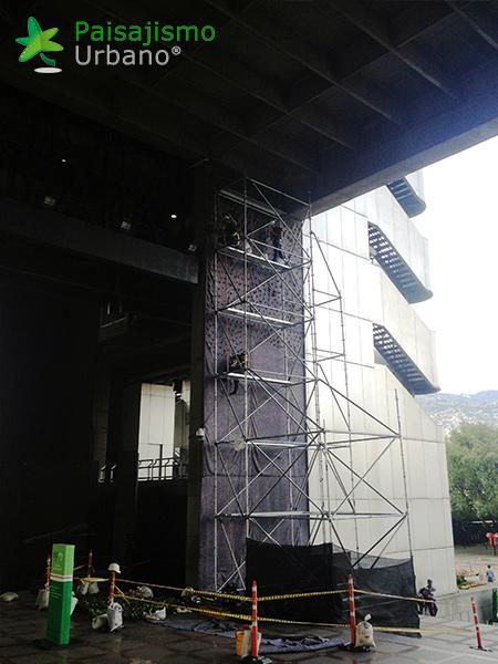 img-jardin-vertical-edificio-inteligente-epm-medellin-colombia-9