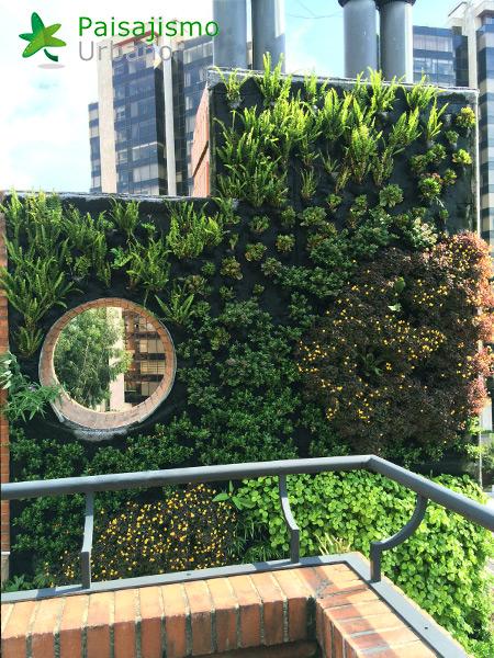 img-jardin-vertical-edificio-privado-apartamentos-colombia-5