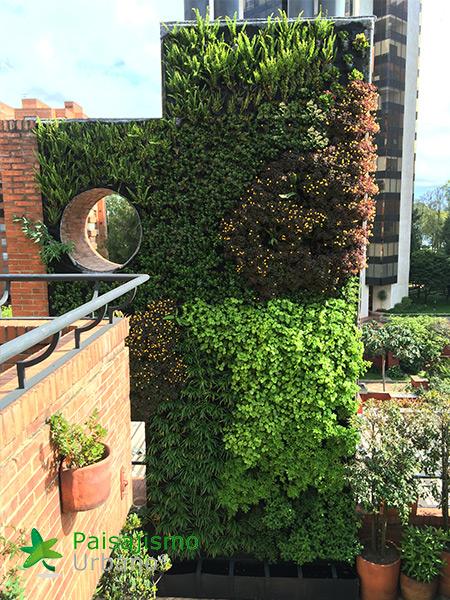 img-jardin-vertical-edificio-privado-apartamentos-colombia-8