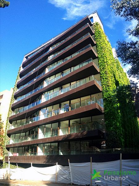 img-jardin-vertical-edificio-santalaia-bogota-15