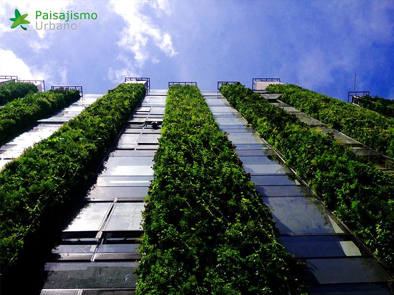 img-jardin-vertical-edificio-santalaia-bogota-16