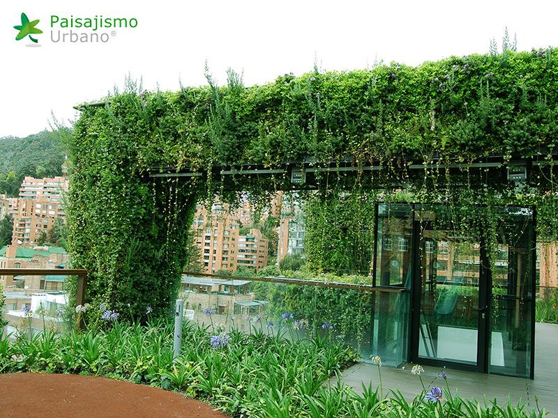 img-jardin-vertical-edificio-santalaia-bogota-17