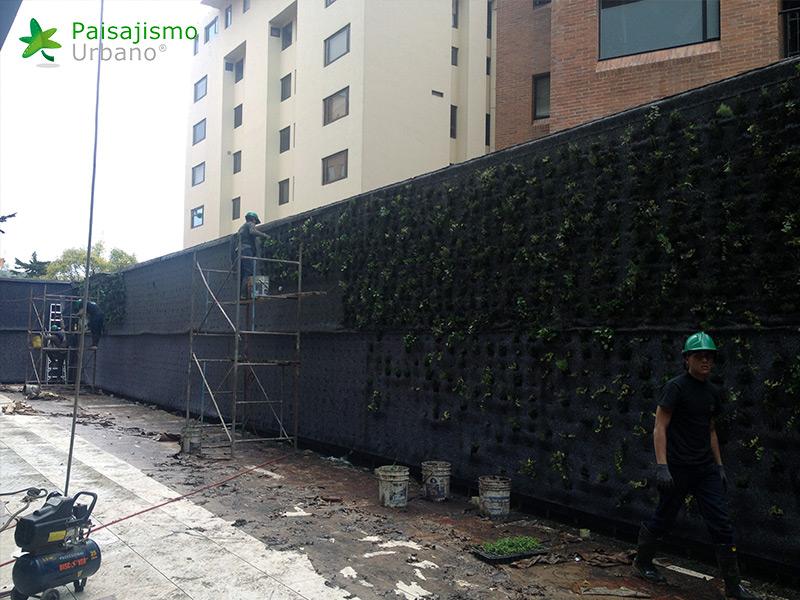 img-jardin-vertical-edificio-santalaia-bogota-3