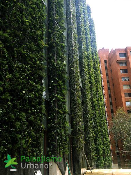 img-jardin-vertical-edificio-santalaia-bogota-8