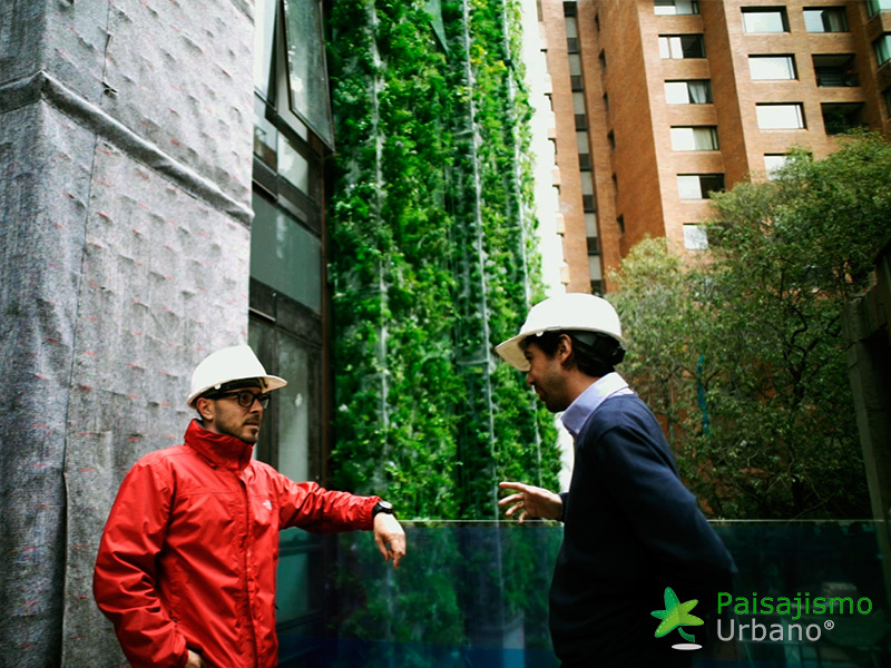 img-jardin-vertical-edificio-santalaia-bogota-9