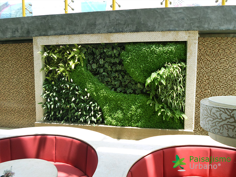 img-jardin-vertical-heladeria-globos-bolivia-10