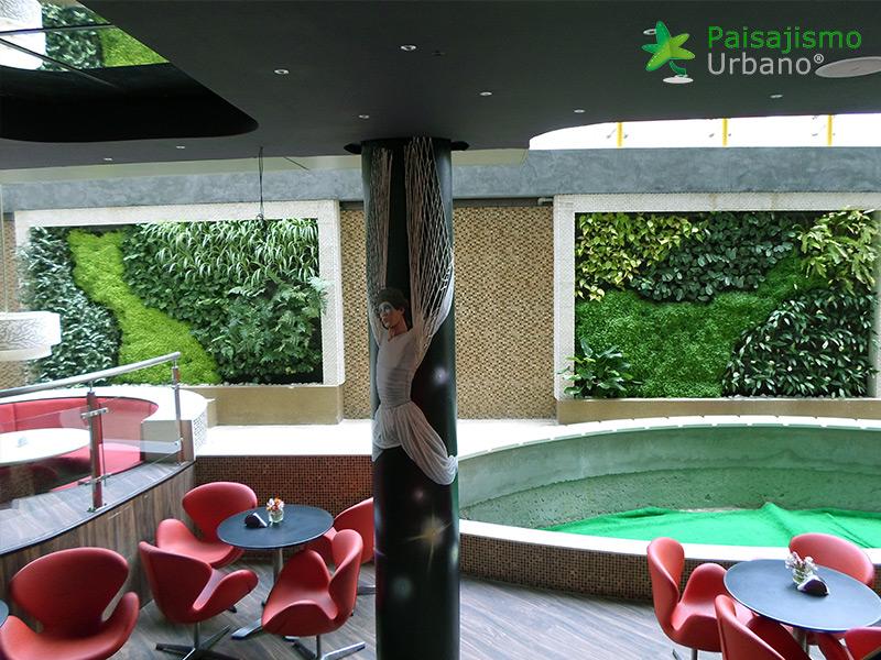 img-jardin-vertical-heladeria-globos-bolivia-11