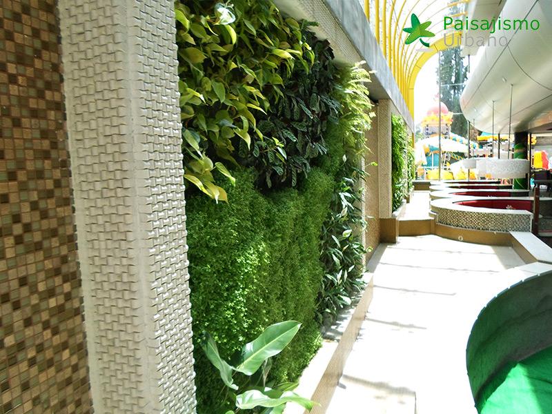 img-jardin-vertical-heladeria-globos-bolivia-6
