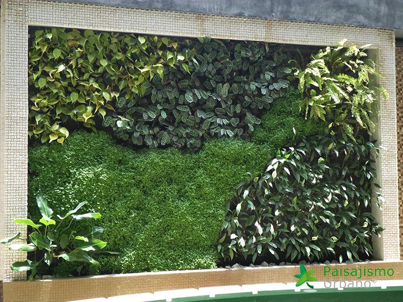 img-jardin-vertical-heladeria-globos-bolivia-8