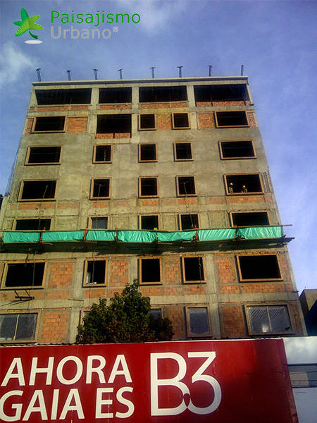 img-jardin-vertical-hotel-gaia-b3-bogota-1