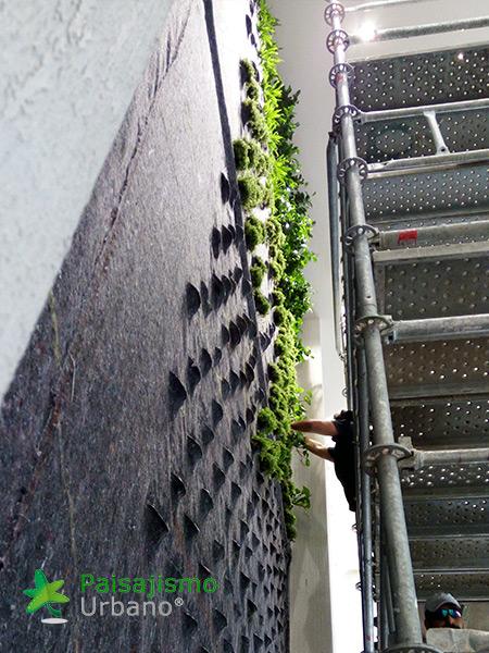 img-jardin-vertical-hotel-sani-dunes-grecia-8