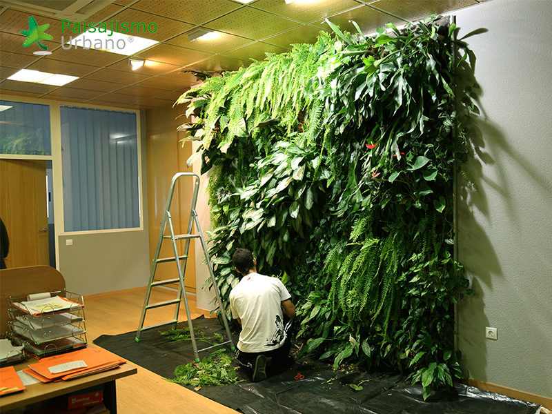 img-jardin-vertical-oficinas-alicante-1