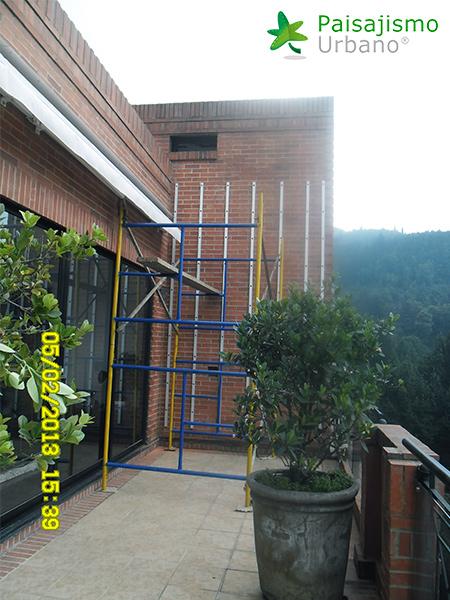 img-jardin-vertical-residencia-privada-bogota-colombia-1 (1)