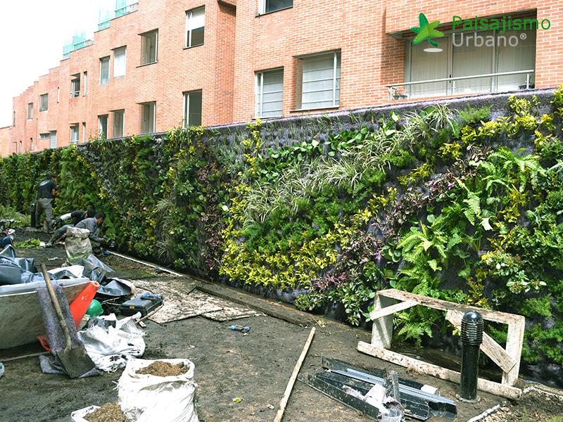img-jardin-vertical-residencial-2