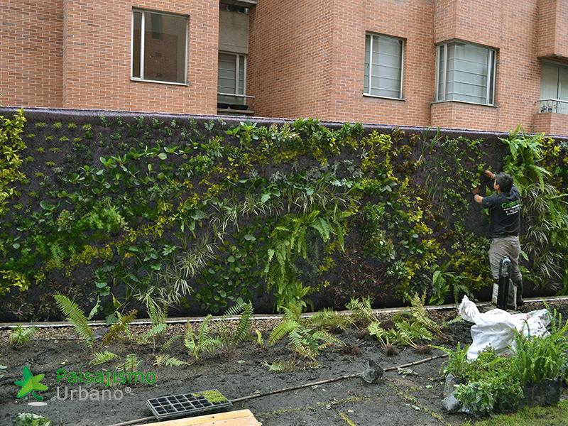 img-jardin-vertical-residencial-3