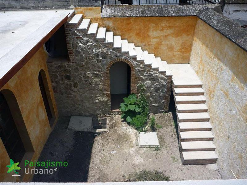 img-jardin-vertical-restaurante-antigua-guatemala-1