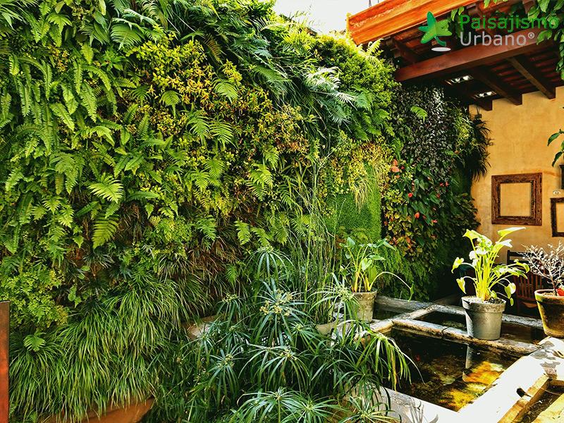 img-jardin-vertical-restaurante-antigua-guatemala-20