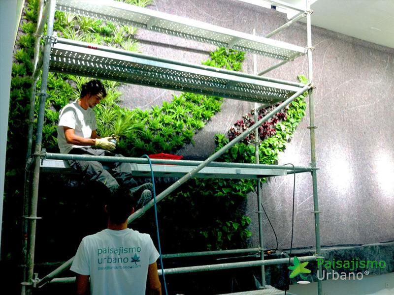 img-jardin-vertical-restaurante-cheesebar-madrid-7