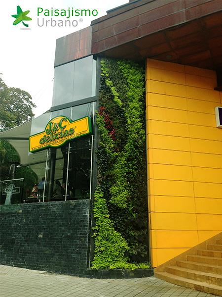 img-jardin-vertical-restaurante-j-c-delicias-medellin-colombia-12