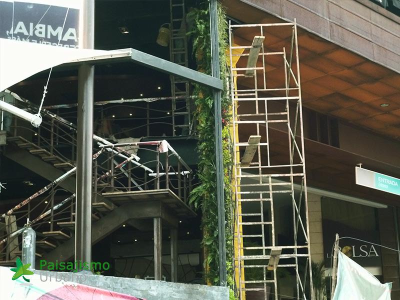 img-jardin-vertical-restaurante-j-c-delicias-medellin-colombia-5