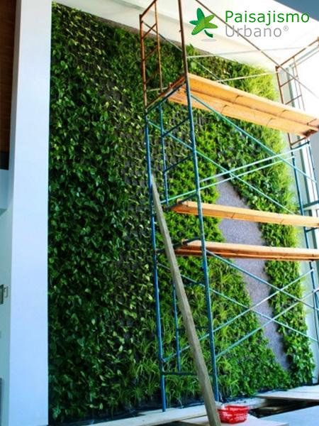 img-jardin-vertical-villa-lujo-ibiza-10