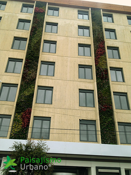 img-jardines-verticales-biohotel-colombia-6