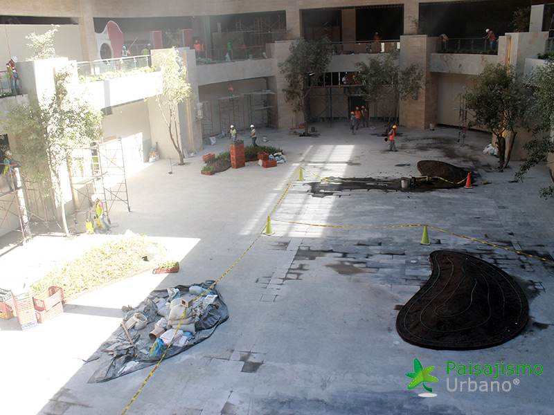 img-jardines-verticales-centro-comercial-oackland-mall-guatemala-1