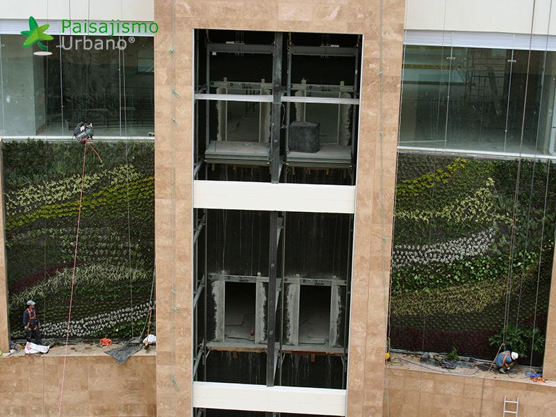 img-jardines-verticales-centro-comercial-quito-ecuador-17