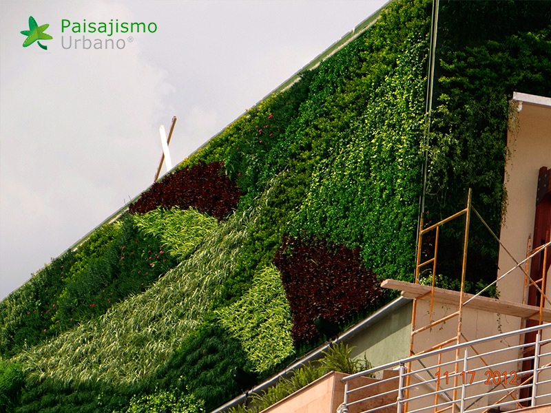 img-jardines-verticales-centro-comercial-quito-ecuador-18