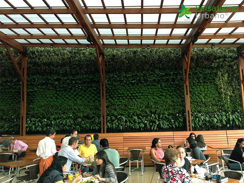 img-jardines-verticales-centro-comercial-quito-ecuador-19